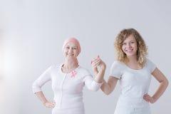 Batalha do câncer do ` s da mãe e da filha fotografia de stock royalty free