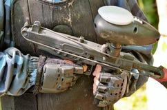 Batalha do Paintball Detalhe do rifle foto de stock