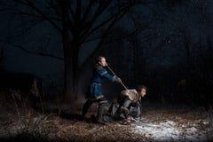 A batalha entre cavaleiros medievais ao estilo do jogo de Thro Fotos de Stock