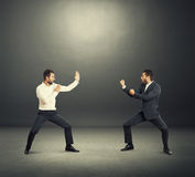 Batalha entre dois homens de negócios Foto de Stock Royalty Free