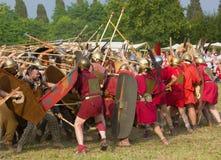 Batalha entre os romanos antigos e os Celts de Carnic imagens de stock royalty free