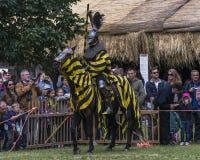 batalistycznego festiwalu dziejowa rycerzy odbudowa Zdjęcie Stock