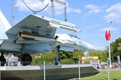 Batalistyczny militarny Bojowego samolotu Rosyjski wojownik Su-27 w Moskwa Fotografia Royalty Free