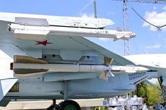Batalistyczny militarny Bojowego samolotu Rosyjski wojownik Su-27 w Moskwa Fotografia Stock