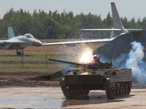 batalistyczny rosyjski zbiornik Zdjęcia Royalty Free