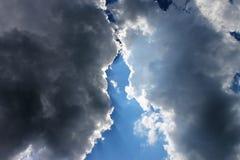 Batalla de las nubes fotos de archivo libres de regalías