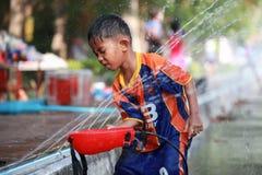 Batalla del agua durante el festival de Songkran en Chanthaburi, Tailandia Fotografía de archivo libre de regalías