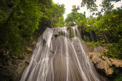 Batanta övattenfall, Indonesien Arkivbilder
