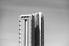 'BATATA DOCE' DO BASTÃO, ISRAEL 3 DE MARÇO DE 2018: Construções residenciais altas no 'batata doce' do bastão, Israel imagens de stock