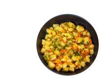 Batatas cozidos em uma frigideira Vista superior Isolado Imagens de Stock Royalty Free