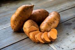 Batatas doces cruas Imagem de Stock Royalty Free