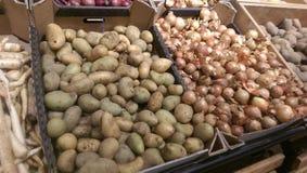 Batatas e cebola Imagens de Stock Royalty Free