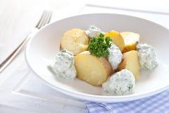 Batatas fervidas frescas fotografia de stock royalty free