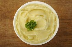 Batatas trituradas na bacia Imagem de Stock