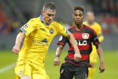 BATE Borisov de Wendell Bayer Leverkusen e de Dmitry Baga Foto de Stock Royalty Free