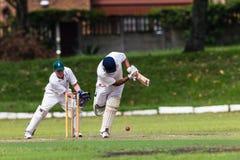 Bateador de la bola del Wicket-Encargado del grillo Imágenes de archivo libres de regalías
