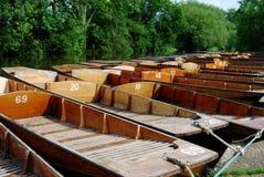 Bateas en el Boathouse de Cherwell imagenes de archivo