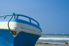 Bateau à la plage Photographie stock