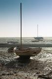 Bateau à marée basse Photographie stock