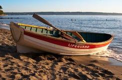 bateau à rames de maître nageur Photographie stock libre de droits