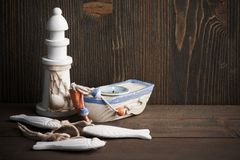 Bateau à voile décoratif nautique, phare images libres de droits