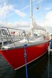 bateau à voile dans le port Photos stock