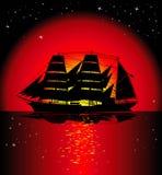 Bateau à voiles au coucher du soleil illustration libre de droits