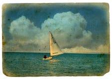Bateau à voiles en mer Image libre de droits