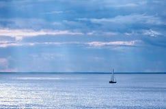 Bateau à voiles en Suède Images libres de droits