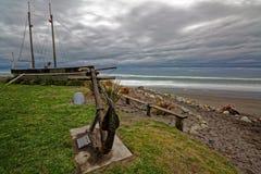 Bateau abandonné, port occidental, Nouvelle-Zélande Photographie stock libre de droits