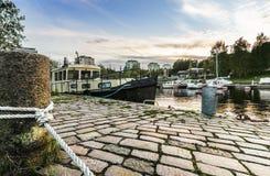 Bateau amarré à Tampere, Finlande photo stock