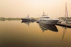 Bateau au dock Photographie stock libre de droits