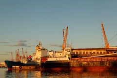 Bateau au port de Toamasina Images libres de droits