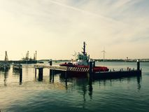Bateau au port Rotterdam Images stock