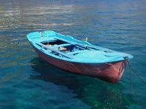 Bateau bleu Photo libre de droits