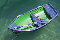 Bateau bleu et vert Photographie stock libre de droits