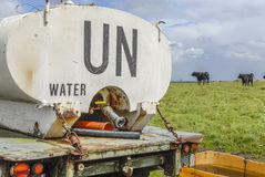 Bateau-citerne de l'ONU sur un pâturage Photographie stock