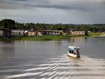 Bateau dans l'Amazônia Photo libre de droits