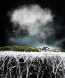 Bateau dans la tempête image stock