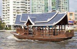 Bateau dans la ville de Bangkok Image libre de droits