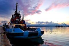 Bateau dans le port Photos libres de droits