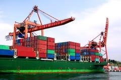 Bateau dans les docks photo libre de droits