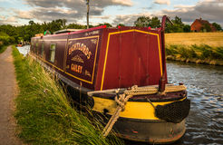 Bateau de canal amarré - centre de l'Angleterre Photographie stock libre de droits