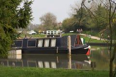 Bateau de canal bleu Photographie stock libre de droits