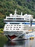 Bateau de croisi?re AIDAbella de la compagnie maritime AIDA Cruises photographie stock