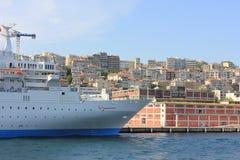 Bateau de croisière chez Bosphorus, Istanbul, Turquie photo stock