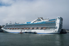 Bateau de croisière dans le port de San Francisco, la Californie Photo stock