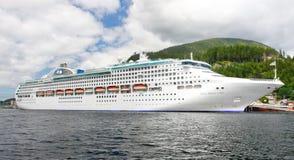 Bateau de croisière de princesse de mer de l'Alaska dans Ketchikan Images libres de droits