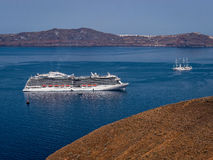 Bateau de croisière grec de Santorini d'îles Image libre de droits