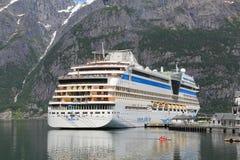 Bateau de croisière de la Norvège image libre de droits